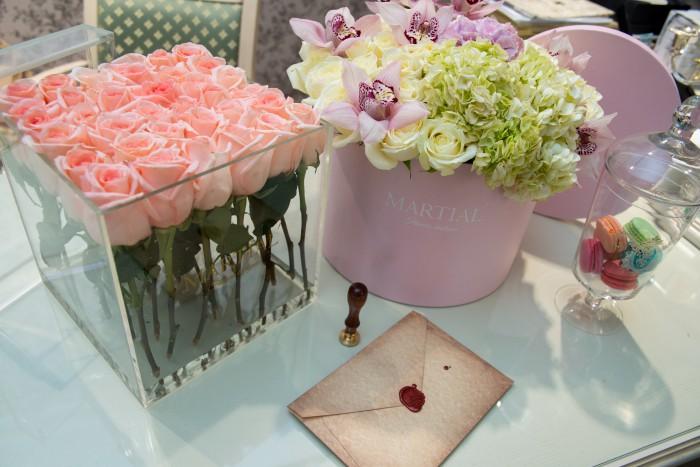 Как сделать цветы в шляпной коробке своими руками живые