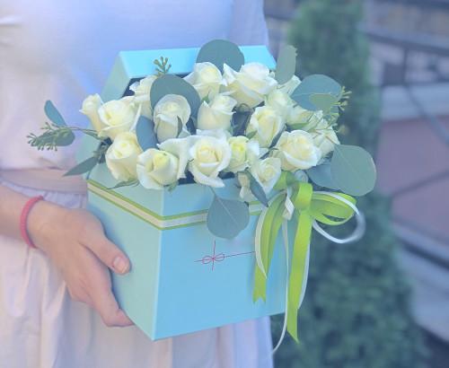 роза, эвкалипт, оазис, лента, коробка «S»