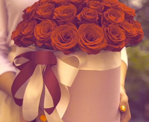51 роза, оазис, лента, коробка «М»