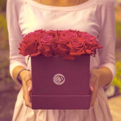 "17 роза, оазис, коробка ""S"""