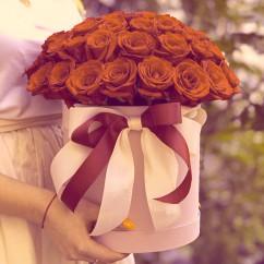 "51 роза, оазис, лента, коробка ""М"""
