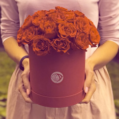 "21 роза, оазис, коробка ""S"""