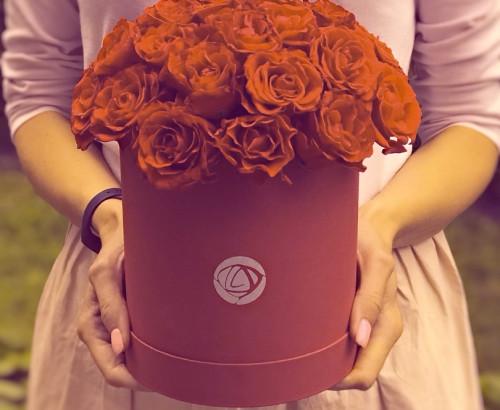 21 роза, оазис, коробка «S»
