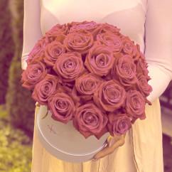 "35 роза, оазис, коробка ""S"""