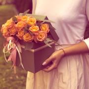 роза 15 шт, эвкалипт, коробка «S»